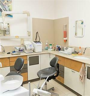 רופא שיניים מוצקין