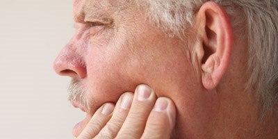 רגישות וכאב בשן סדוקה (אילוסטרציה shutterstock)