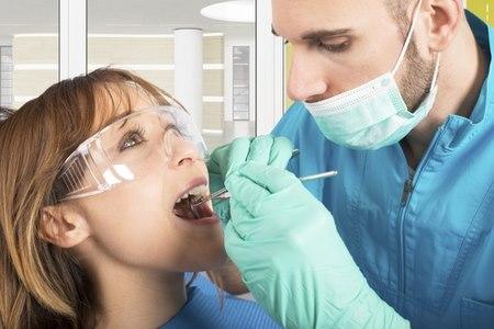 מוטלת על כולנו החובה לטפל בבריאות הפה. צילום: שאטרסטוק