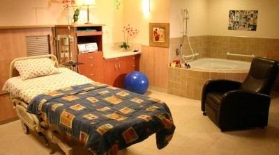 """חדר לידה בבי""""ח אסף הרופא (צילום: מרכז רפואי אסף הרופא)"""