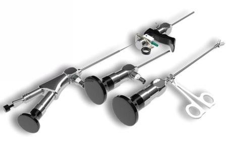 היסטרוסקופ - סיב אופטי שבקצהו מצלמה. צילום: שאטרסטוק