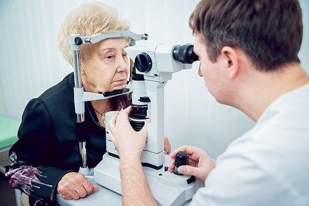 הגיל הוא גורם סיכון משמעותי לחסימת וריד בעין (אילוסטרציה shutterstock)