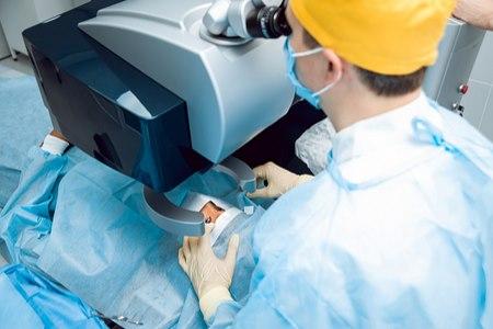 לעתים דרך הטיפול היא ניתוח (אילוסטרציה shutterstock)
