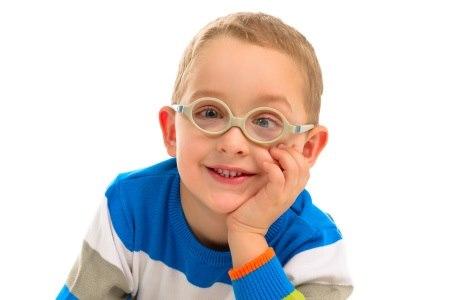 מטרת הטיפול בפזילה היא איזון השימוש בשרירי העין. צילום: thinkstock