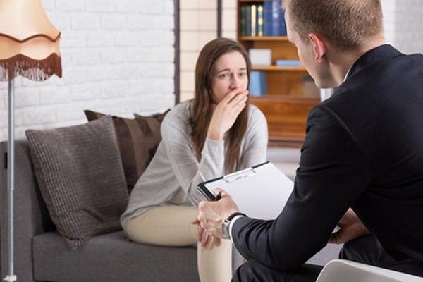 אחת הדרכים לטיפול בפוסט טראומה היא באמצעות שיחות. צילום: שאטרסטוק
