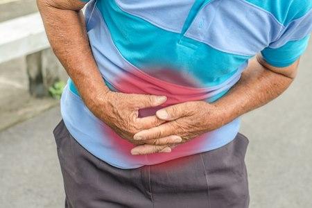 הגידול עלול לגרום לכאבי בטן עזים (אילוסטרציה shutterstock)
