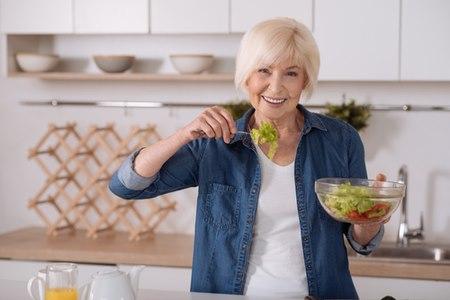 הוכח שדיאטה ים תיכונית מעכבת את תהליך ההזדקנות. צילום: שאטרסטוק