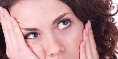 כיצד לטפל בצלקות מאקנה (אילוסטרציה)