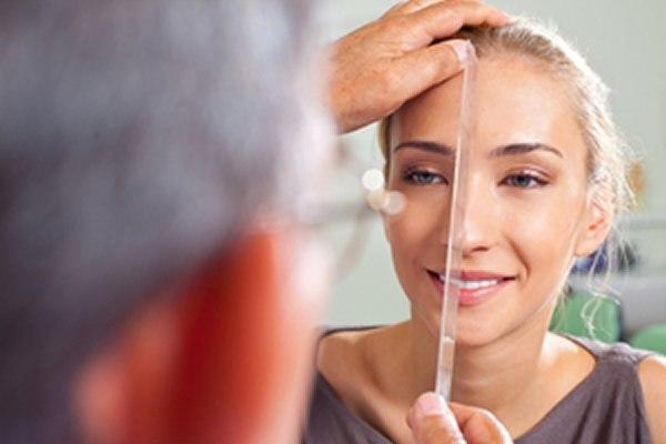 פעמים רבות, ניתוח פלסטי גורם לפגיעה בתפקוד האף. צילום: שאטרסטוק