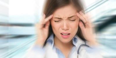 כאבי ראש או סינוסיטיס. אילוסטרציה: שאטרסטוק