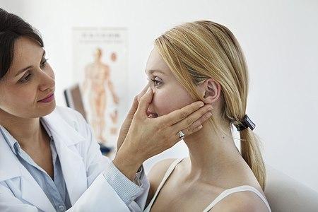 חשיבות רופא אף אוזן גרון. אילוסטרציה: שאטרסטוק