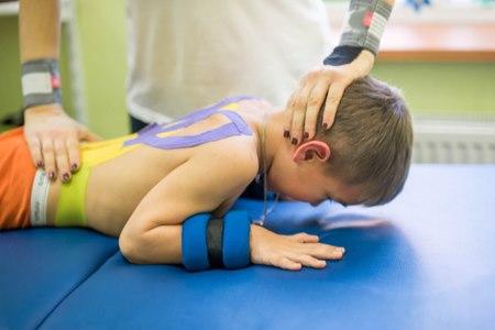 כל ילד עם שיתוק מוחין זקוק למעקב וטיפול רב-מערכתי. צילום: שאטרסטוק