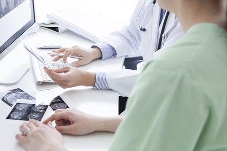 המטופל צריך לעבור בשלב ראשון אבחון וייעוץ מקיף. צילום: שאטרסטוק