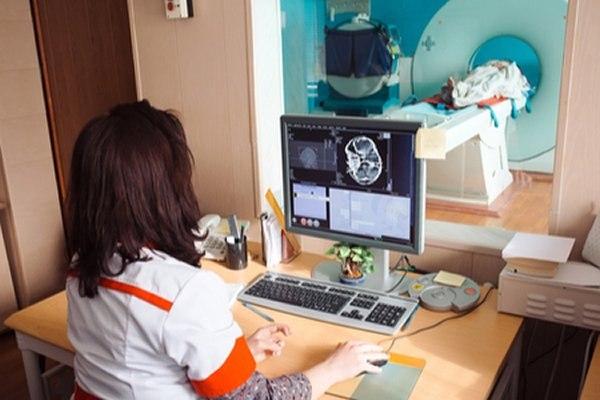 קיימים מעט מכשירי MRI בשירותי הבריאות בישראל. צילום: שאטרסטוק