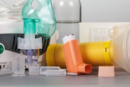 לצד התרופות, המסייעות לסובלים מקושי נשימתי - ניתן לעזור לחולים אלה גם בעזרת שיקום נשימתי. צילום: שאטרסטוק